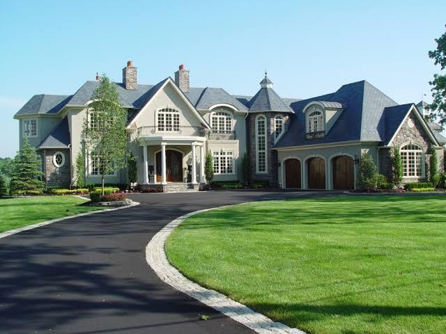 Custom Home Design Tips: Choosing the Right Designer