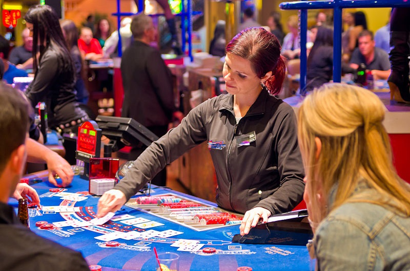 What Are the Various Online Casino Tips That Helps Players Win?