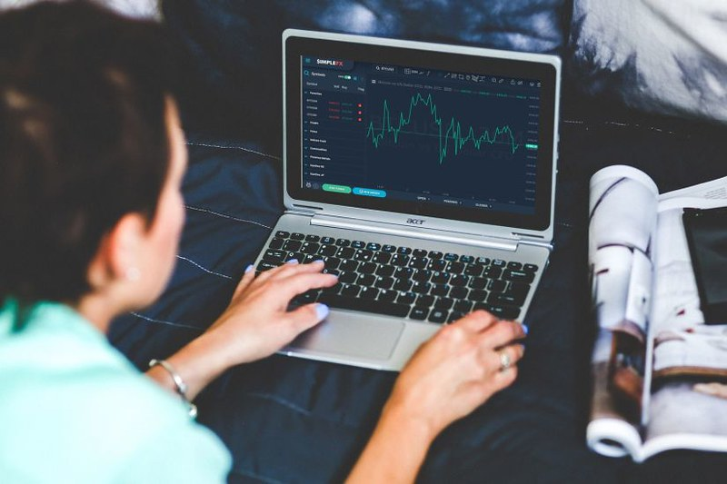 What do you gain from using a CFD Broker?