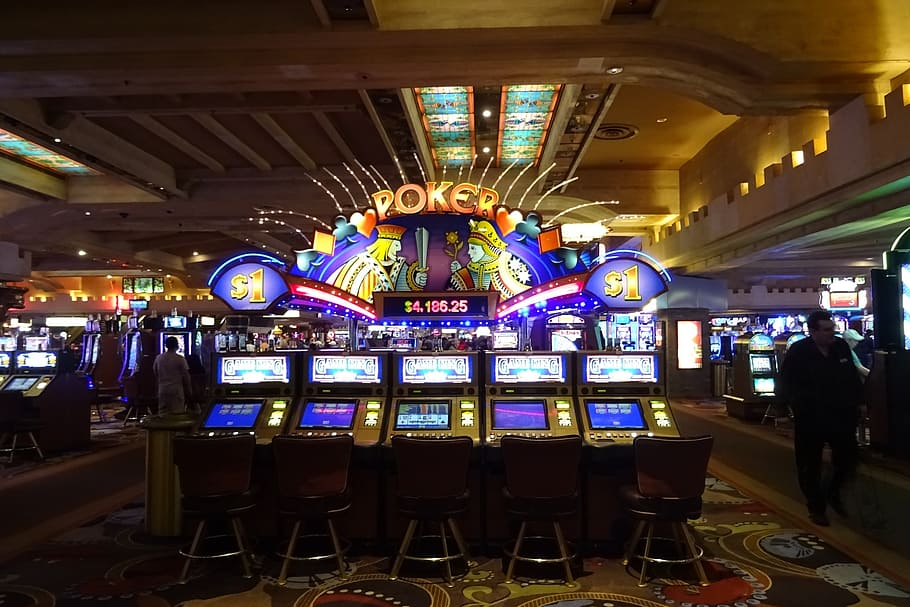 The Advantages of Playing Online Casino