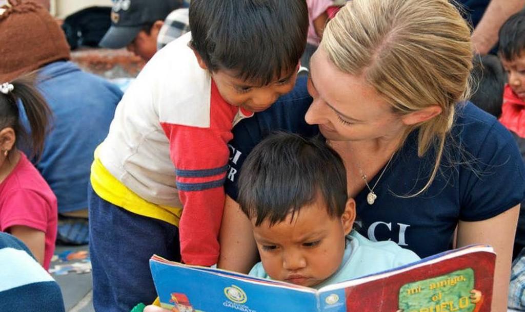 Benefits of Overseas Volunteer Programs for Global Experiences